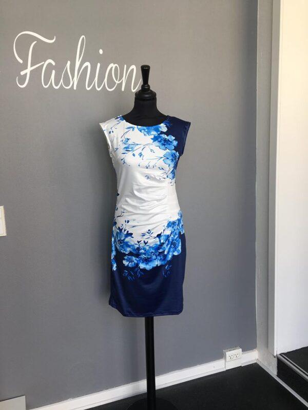 8c365a49e674 Ashley L 214 Kjole med blomster Hvid Blå - Ladies Fashion