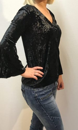 Capri Collection Velvet top sort